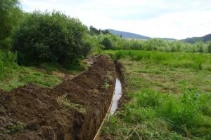 Pokládka kanalizácie Pod Brehom